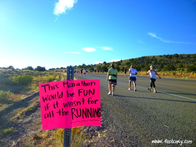 top 10 funniest marathon signs pam daughertys running blog